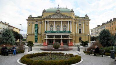 Najavljen higijenski performans: Dolaze predsjednice, očistimo kazalište!