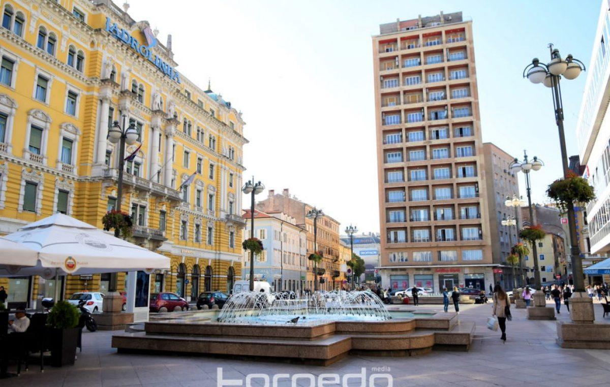 U sklopu obilježavanja Međunarodnog dana gastroshize fontane na Jadranskom trgu će sutra biti osvijetljene zeleno