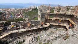 Gradina uskoro cjelovita – Konačno krenulo uređenje zapadnog zida Trsatskog kaštela @ Rijeka