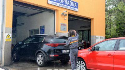 U OKU KAMERE: Saharski pijesak pomiješan s kišom razljutio vlasnike automobila i stvorio gužve u autopraonama @ Rijeka