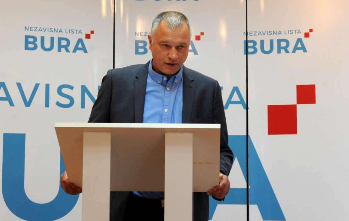 """Burić Obersnela nazvao najgorim gradonačelnikom i najavio kaznenu prijavu zbog """"mešetarenja"""" zemljištem na Preluku @ Rijeka"""