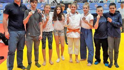 JK Rijeka: Lara Šušnić prvakinja Hrvatske, Luka Viljušić viceprvak, Katarina Miklić i Lucija Grozdanić brončane @ Zagreb