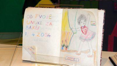 Divota spomena: Građani na izložbi spomenara u Dječjem odjelu Stribor otvorili svoja sjećanja @ Rijeka