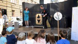 VIDEO, FOTO: Tjedan dobre dječje knjige otvoren uz trikove i magiju Andreja Škedela