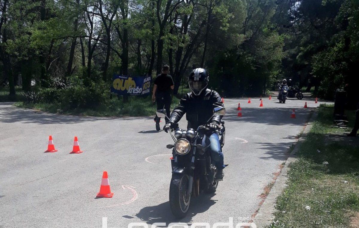 """U OKU KAMERE """"Sigurno na dva kotača"""" – Održana preventivno edukativna akcija za motocikliste"""