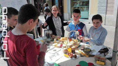 U OKU KAMERE Prehrana nekonvencionalnim izvorima – Djeca nudila delikatese od žira, koprive i bosiljka @ Rijeka