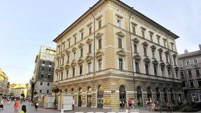 Bivša pošta na Korzu do kraja godine postat će robna kuća – Murtićev mozaik na čuvanju u MMSU @ Rijeka