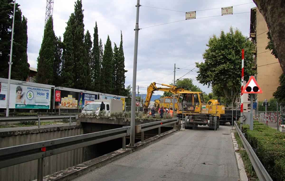 Željezničko cestovni prijelaz u Krešimirovoj ulici mjesec dana zatvoren za sav promet