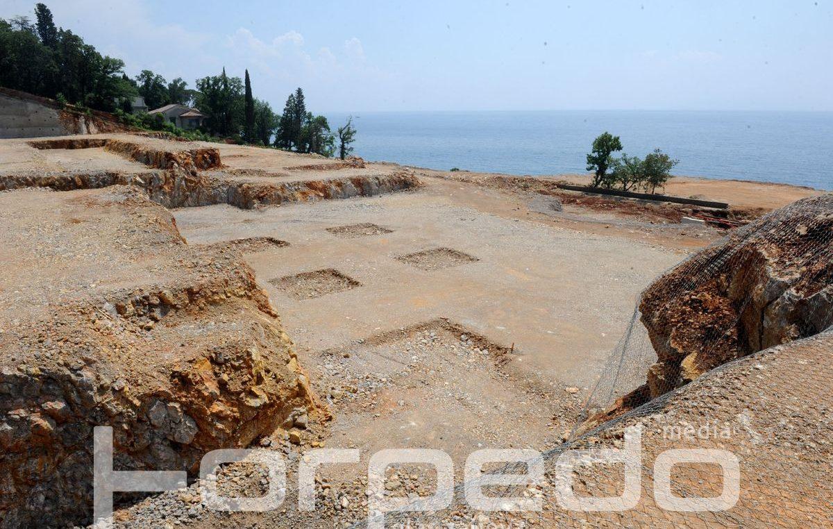 FOTO Kreće druga faza izgradnje resorta Costabella – Obersnel kazao da je nasipavanje mora bilo u skladu s izdanim dozvolama @ Rijeka