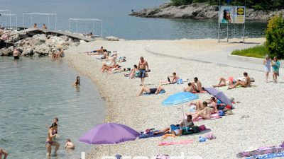 Sa sezonom kupanja krenule i krađe na plažama