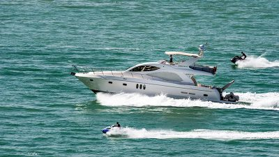 Policija za vikend evidentirala 15 plovila koja su glisirala uz obalu
