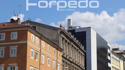 U OKU KAMERE Kontrasti riječkih fasada