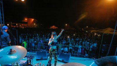 Održana Konstrenska noć – Maja Šuput i SuperCover Band 'zapalili' prepuno Žurkovo