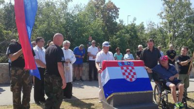 Kostrena braniteljima za njihov dan 'darovala ulicu' – Svečano otkrivena i spomen ploča na groblju u Sv. Luciji