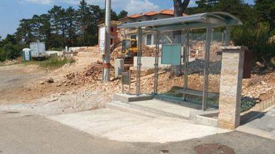 U OKU KAMERE Postavljeno pet novih autobusnih stanica u Pulcu, Dragi, Podmurvicama, Turniću i Podvežici