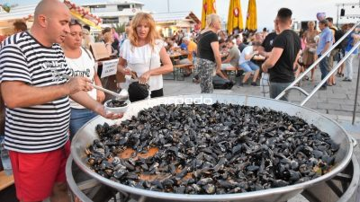 FOTO Izvrsna zabava i bogata gastro ponuda obilježila prvu Riječku ribarsku feštu