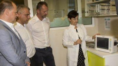 ACI donirao dva monitora za nadzor životnih funkcija KBC-u Rijeka – Donacija vrijedna 60 tisuća kuna