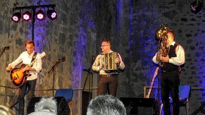 U OKU KAMERE Denis Novato Trio oduševio kastavsku Crekvinu