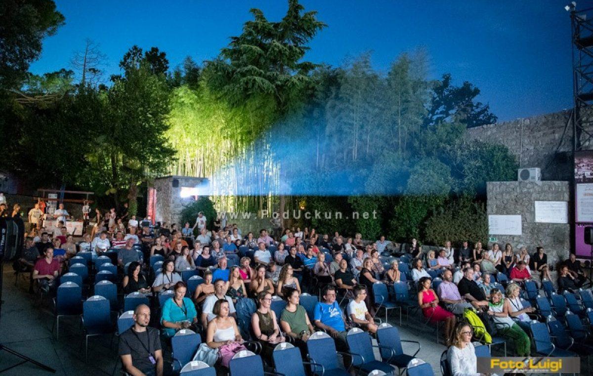 Slučajno kino LFF-a dovodi dokumentarac 'Nije ti život pjesma Havaja' na terasu Nemo Puba