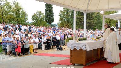 Rijeka danas obilježava Velu Gospu – Deseci tisuća hodočasnika stigli su u marijansko svetište na Trsatu