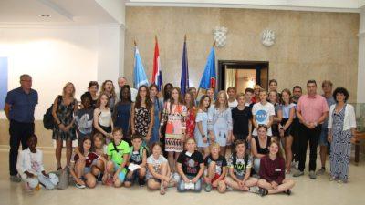 Učenici iz Neussa posjetili Rijeku: S riječkim kolegama uče o sigurnosti prilikom korištenja pametnih telefona