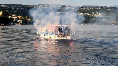 FOTO/VIDEO Desant na Kantridu – Opatijska Armada na večerašnju tekmu krenula brodom