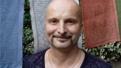 Bivši dopisnik iz Opatije, a sada najpoznatiji hrvatski učitelj duhovnosti Mihajlo Pažanin predstavlja knjigu @ Rijeka