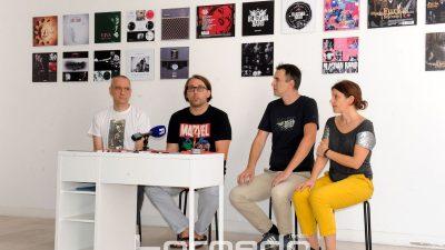 """Vizualna pratnja """"riječkog zvuka"""" – Izložba Ri rock papiri kao kronologija lokalne glazbene scene i rada Mladena Stipanovića"""