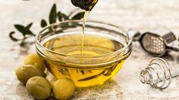 Bizarna krađa na Cresu – Provalili mu u drvarnicu i ukrali izvrsno otočko maslinovo ulje