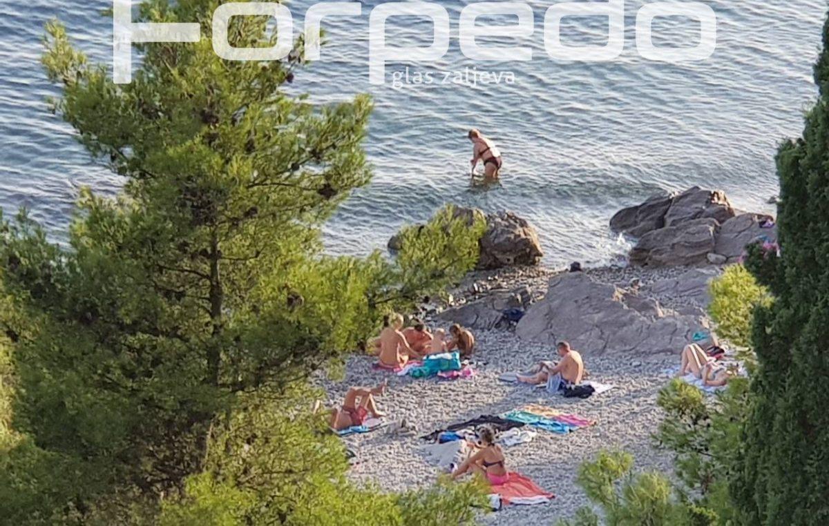 U OKU KAMERE Ljeto se ne predaje, a sezona traje i dalje – Plaže tražena 'destinacija' i u rujanskim danima