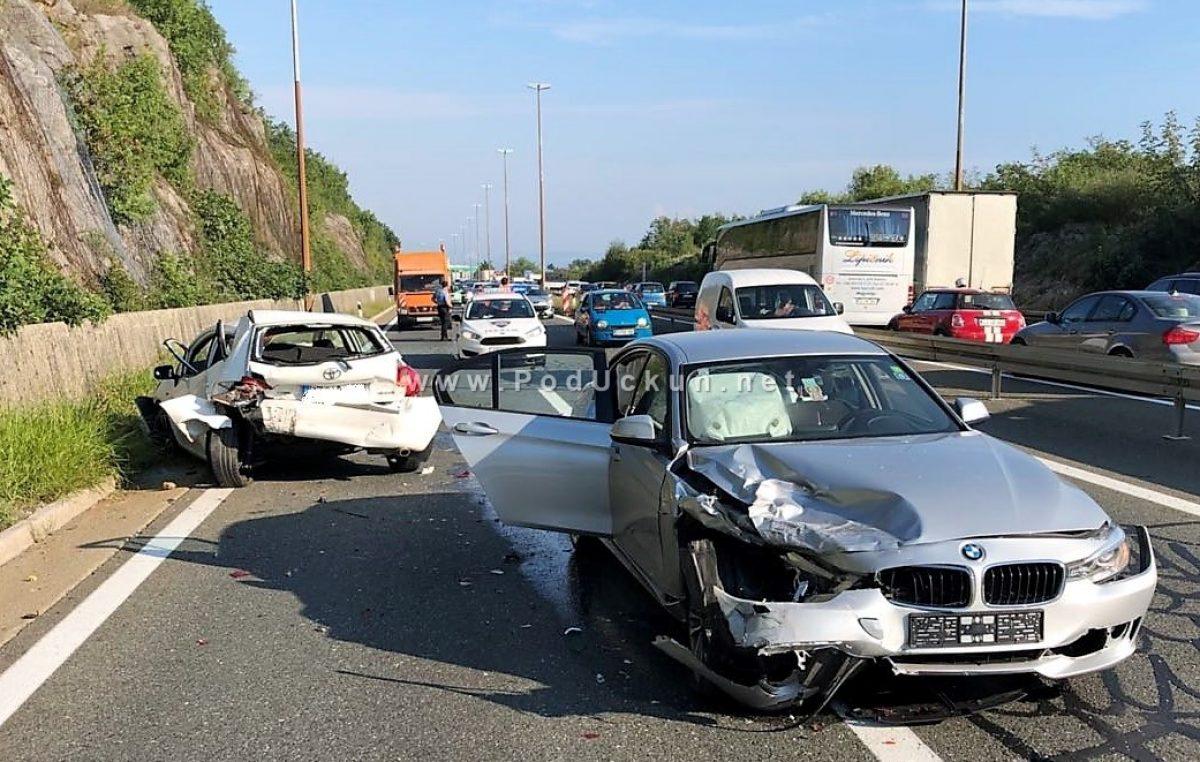 Tjedno izvješće o prometu – 74 nesreće, jedna smrtno stradala osoba