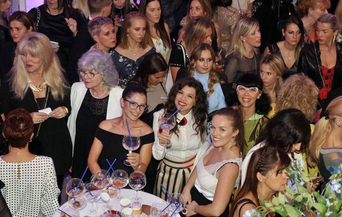 Modna manifestacija Extravagant Gala predstavila 15 najpoznatijih domaćih dizajnera