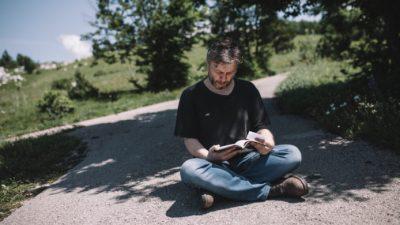VIDEO Wanderlust Envera Krivca – Riječki autor čitao svoju priču – biljkama