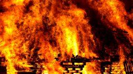 Ulovljen piroman: Zapalio kontejner, vatra uništila dva automobila