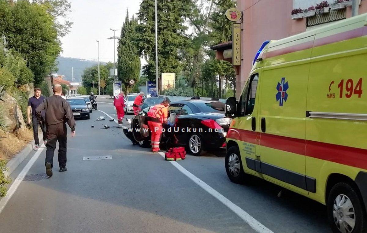 FOTO Zbog teške prometne nezgode blokiran promet od Voloskog prema Preluku