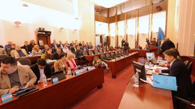 Oporba bojkotirala sjednicu Gradskog vijeća, Lista za Rijeku 'spasila' kvorum – Odluke većinom jednoglasne