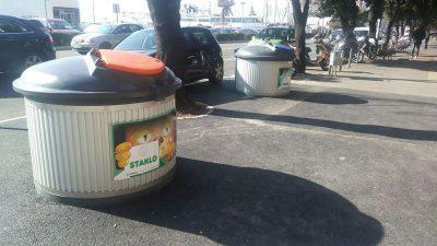 Dosad postavljena tri kompleta poluukopanih spremnika za otpad, još tri stižu na područje šireg centra grada