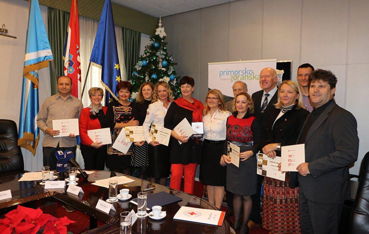 Županijski Crveni križ povodom vrijedne obljetnice podijelio zahvalnice zaslužnim tvrtkama i pojedincima