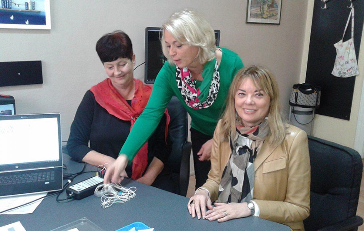 Ekonomska škola uz pomoć županije nabavila vrijedan uređaj – Neurofeedback će se koristiti za terapiju učenika s teškoćama u razvoju