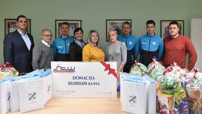 HNK Rijeka i Manšped posjetili Dječju bolnicu Kantrida i uručili donaciju od 50 tisuća kuna