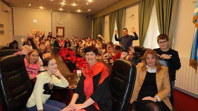 Osnovnoškolci s Lošinja posjetili sjedište naše županije