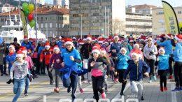 FOTO Rijeka je trčala za pomoć djeci s poteškoćama u razvoju – Humanitarni HoHoHo Run okupio brojne sudionike