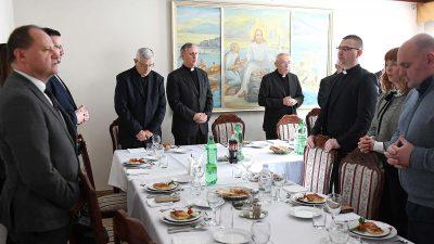 Nadbiskup Ivan Devčić proslavio imendan i 18. obljetnicu biskupskog ređenja