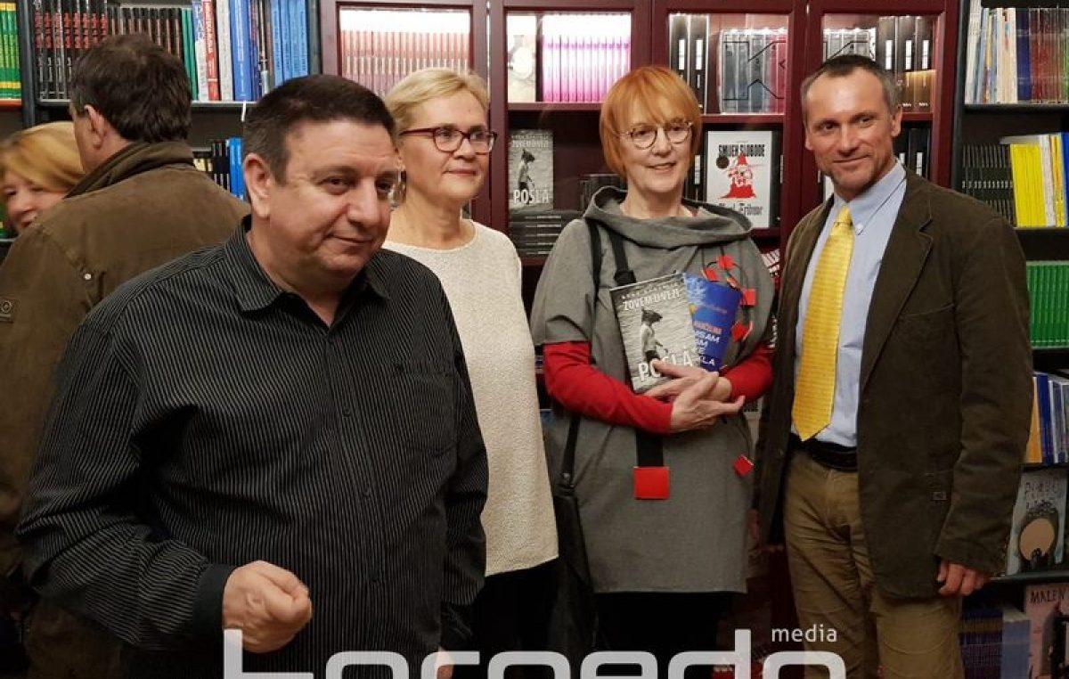 """U OKU KAMERE Otvorena knjižara """"Val"""" – Novi prostor s dugom poviješću postat će kultno mjesto za ljubitelje knjige"""