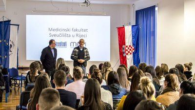 Učenicima Medicinske škole prezentirane mogućnosti studiranja na Medicinskom fakultetu u Rijeci