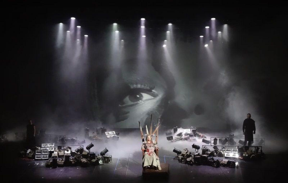 Zanimljiva izložba u riječkom HNK – Fotografije kazališnih umjetničkih radova riječkih autora raznih generacija