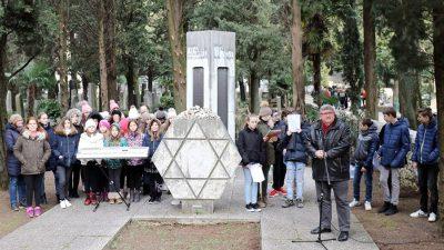 Učenici OŠ Škurinje prigodnim programom na židovskom groblju obilježili Dan sjećanja na holokaust