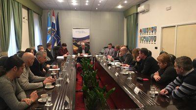 Sastanak predstavnika političkih stranaka zastupljenih u Županijskoj skupštini – Između ostalog raspravljalo se i o 3.maju i Marišćini