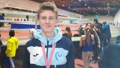 Uspješan nastup mladih atletičara Kvarnera na PH u Zagrebu – Antonio Ban državni prvak na 3000 metara