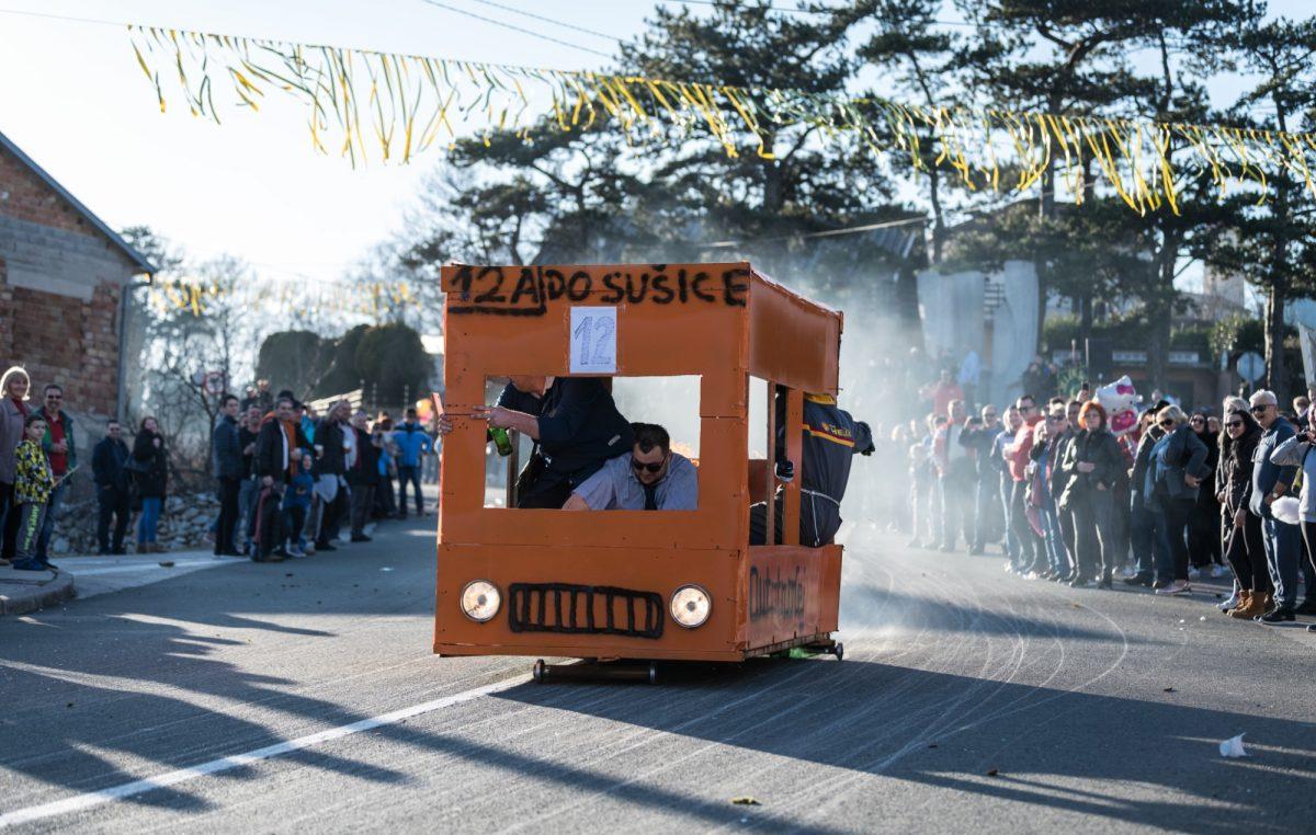 Grobnička balinjerada – Luda utrka maštovitih vozila na balinjerama ove subote u Jelenju